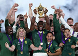 Siya Kolisi lifts the Webb Ellis cup after South Africa beat England to win Rugby World Cup