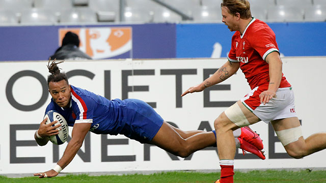 Teddy Thomas scores a try for France v Wales in 2020 autumn international